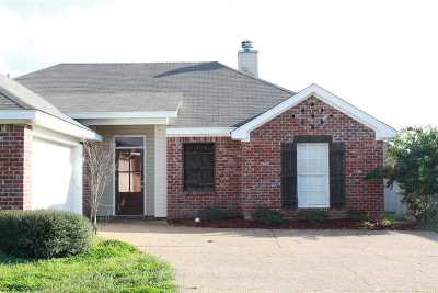 Pearl Single Family Home Contingent: 602 Post Oak Pl
