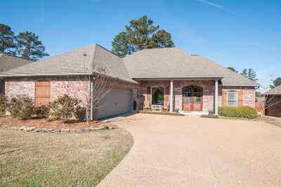 Brandon Single Family Home For Sale: 140 Willow Crest Cir