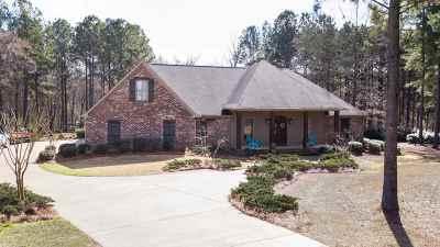 Madison Single Family Home For Sale: 133 Livingston Dr