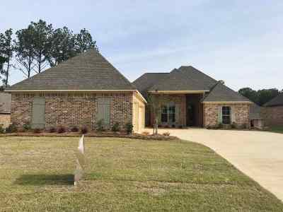 Madison Single Family Home For Sale: 106 Murrell Dr