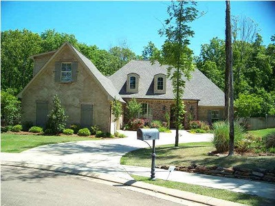 Madison Single Family Home For Sale: 213 Cotton Wood Dr