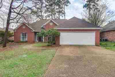 Ridgeland Single Family Home For Sale: 647 Muirwood Cir