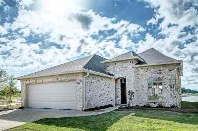Brandon Single Family Home For Sale: 42 Savannah Cir