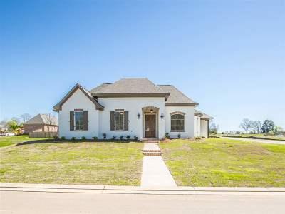 Madison Single Family Home For Sale: 112 Dixon Run