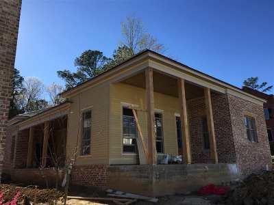 Madison Single Family Home Contingent: 113 Azalea St