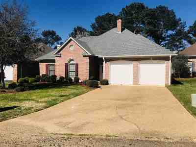 Canton Single Family Home For Sale: 906 Oak Trail Dr