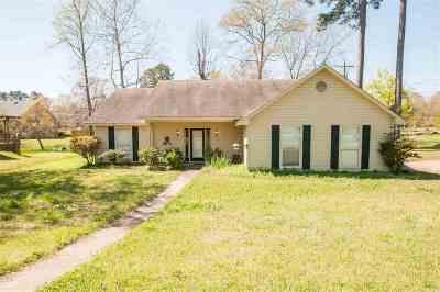 Byram Single Family Home Contingent/Pending: 937 W Lakedockery Dr