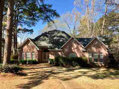 Madison Single Family Home For Sale: 134 Woodberry Pl