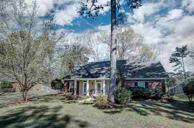 Ridgeland Single Family Home Contingent: 299 Woodrun Dr