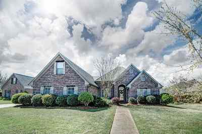 Madison Single Family Home For Sale: 483 Madison Oaks Dr