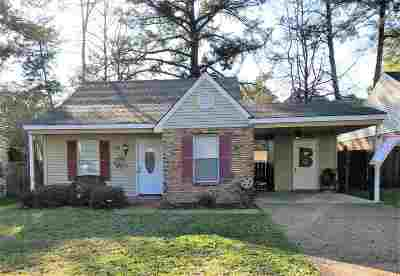 Madison Single Family Home For Sale: 121 Haley Creek Dr