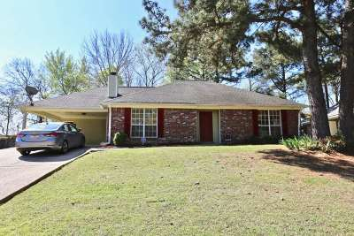 Ridgeland Single Family Home For Sale: 332 Brookwoods Dr