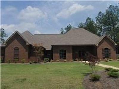 Madison Single Family Home Contingent: 134 Grayhawk Pkwy