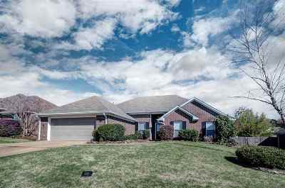 Brandon Single Family Home For Sale: 441 Abbey Woods