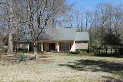 Single Family Home For Sale: 4513 Pine Lake Dr