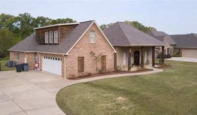 Brandon Single Family Home For Sale: 124 Glen Arbor Ct