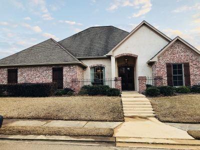 Brandon Single Family Home For Sale: 385 Oakville Cir