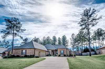 Madison County Single Family Home Contingent/Pending: 105 Grayhawk Dr
