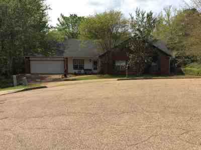 Madison Single Family Home For Sale: 116 Cedar Pine Ln