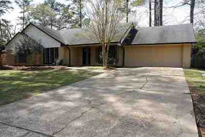 Brandon Single Family Home Contingent/Pending: 318 Helmsley Dr