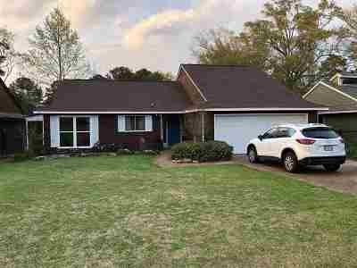 Canton Single Family Home Contingent: 574 S Deerfield Dr