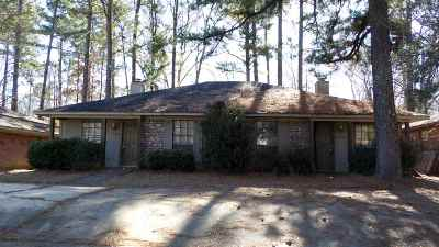 Jackson Multi Family Home Contingent/Pending: 2059 Cooperwell Dr