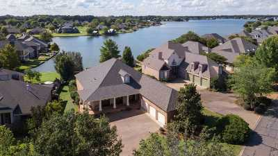 Madison Single Family Home For Sale: 105 Belle Pointe