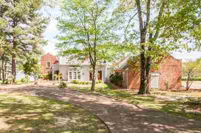 Madison Single Family Home For Sale: 401 Forest Lake Pl