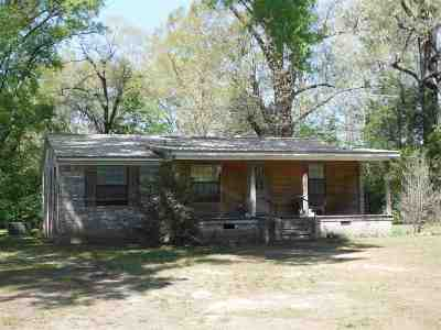 Carthage MS Single Family Home For Sale: $106,000
