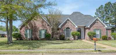 Clinton Single Family Home Contingent: 112 Royal Birkdale Dr