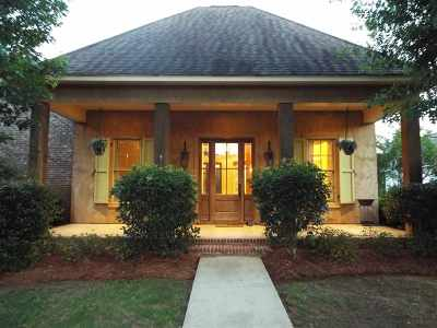 Madison Single Family Home For Sale: 177 Reunion Blvd