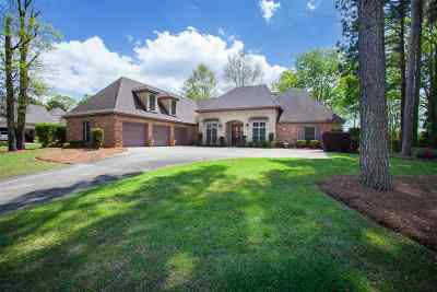 Madison Single Family Home For Sale: 300 St. Ives Dr