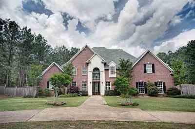 Brandon Single Family Home For Sale: 26 Napoleon Cir