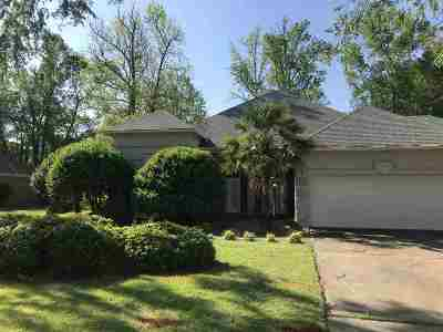 Canton Single Family Home For Sale: 717 Oak Trail Dr
