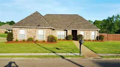 Brandon Single Family Home For Sale: 642 Tucker Crossing
