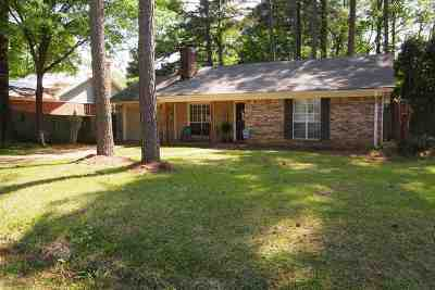 Madison Single Family Home Contingent: 212 Summit Dr