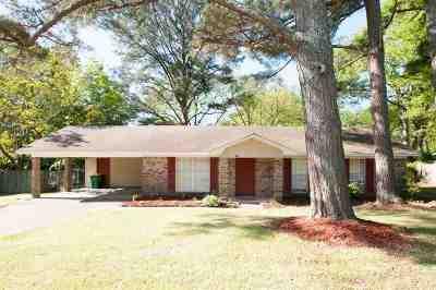 Ridgeland Single Family Home Contingent: 231 E Moon St