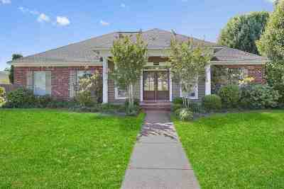 Brandon Single Family Home For Sale: 425 Pecan Cir