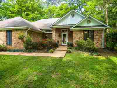 Canton Single Family Home Contingent/Pending: 133 Beaver Bend Dr