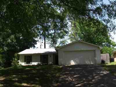 Clinton Single Family Home For Sale: 106 Smokehill Dr