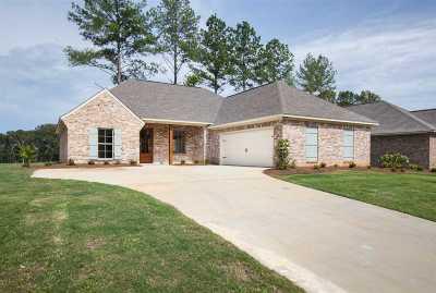 Madison Single Family Home For Sale: 147 Hampton Ridge