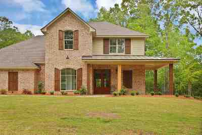 Brandon Single Family Home For Sale: 135 Dogwood Trace