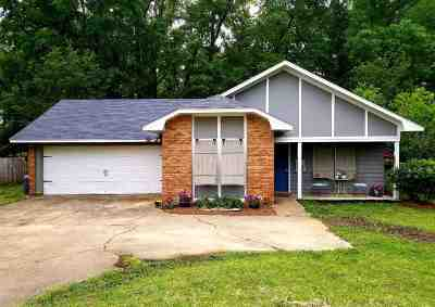 Pearl Single Family Home Contingent/Pending: 3789 Flynn Dr