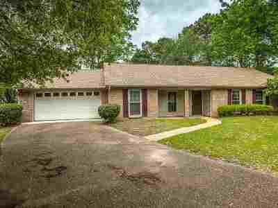 Madison County Single Family Home For Sale: 305 N Longmeadow Ct