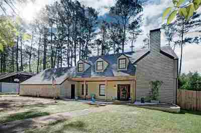 Hinds County Single Family Home Contingent/Pending: 1415 Roxbury Pl