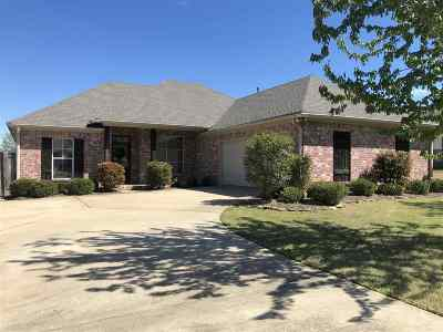 Madison County Single Family Home Contingent/Pending: 112 Kenzie Dr