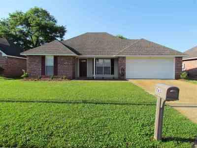 Byram Single Family Home Contingent/Pending: 1065 Bullrun Dr