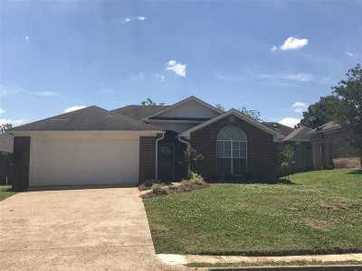 Ridgeland Single Family Home Contingent/Pending: 1005 Elms Cv