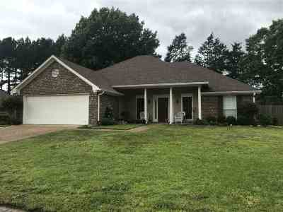 Madison County Single Family Home Contingent/Pending: 113 Saddle Cv