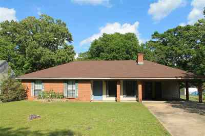 Pearl Single Family Home Contingent/Pending: 424 Tina Ln